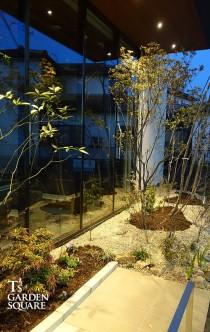 待合室の庭