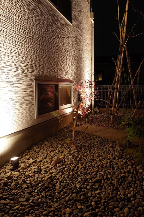 ライトアップ 雑木の庭