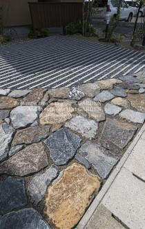 自然石貼り駐車場